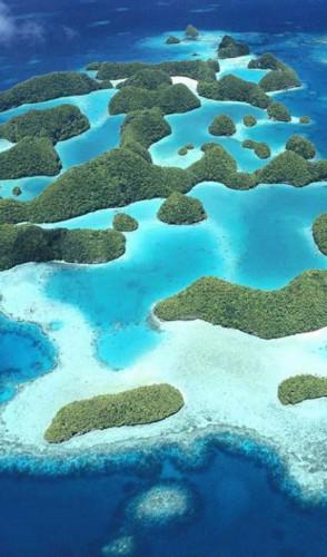 PALAU, arquipélago localizado no oeste do Oceano Pacífico com mais de 500 ilhas e 18 mil habitantes.