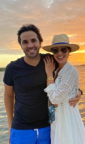 Netinho Bayde e Nicole: sorriso do fim de semana, na casa da Lagoa, onde comemoraram aniversário dela