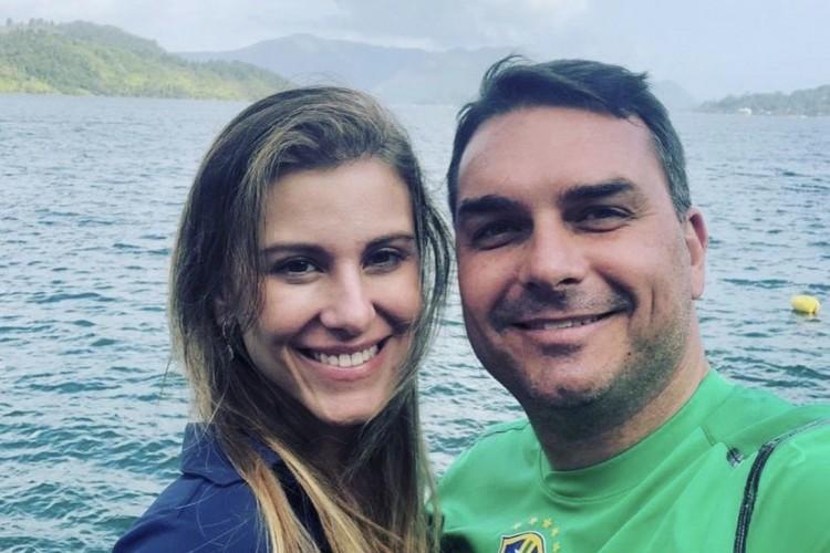 Fernanda e Flávio Bolsonaro