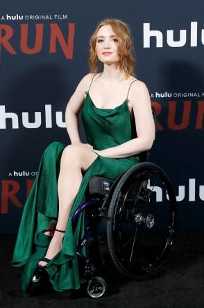 """Kiera Allen interpreta Chloé em """"Fuja"""". Na foto, em uma das premiéres do filme"""