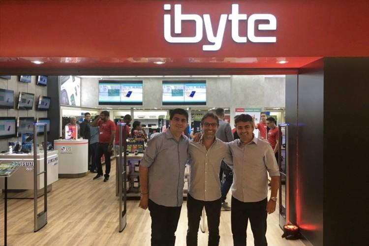 Custódio Gomes, Francisco Marinho e Pedro Ivo Frota: 40ª loja da Ibyte