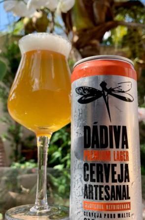 - Cervejaria Dádiva  Dádiva Premium Lager 5,10 % abv. - cerveja clara, sabor suave que lembra biscoito, com amargor leve e refrescante.