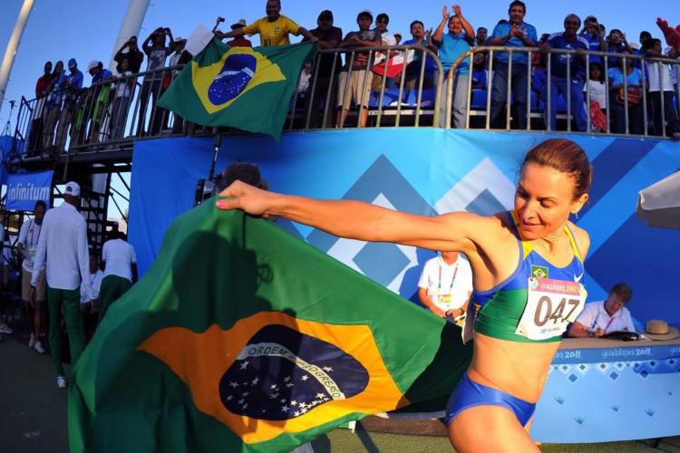 Maurren Maggi ganhou o ouro olímpico pro Brasil em Pequim-2008, no salto em distância. Na foto, a ex-atleta em no Pan-americano de Guadalajara-2011