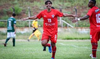 Tiago Cunha celebra o terceiro gol do Atlético-CE contra o Icasa, pela segunda rodada do Campeonato Cearense