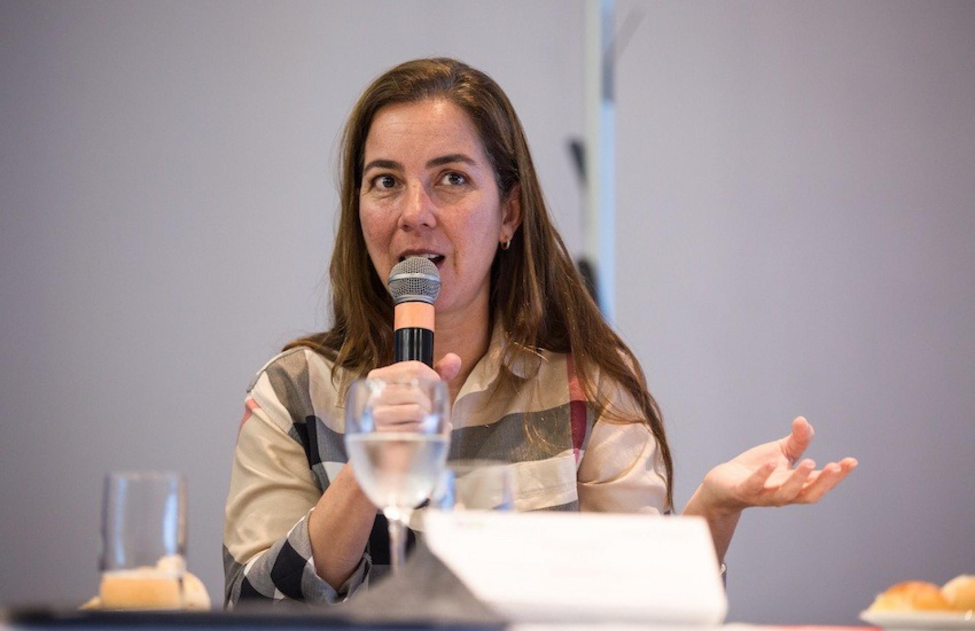 Renata Rizzi em seminário na Fundación Gabo.