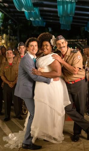 15/7 - Juntos e enrolados. Comédia de Eduardo Vaisman e Rodrigo Van Der Put mostra uma festa de casamento que deu errado.