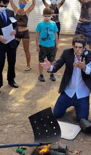 Ministro do Meio Ambiente, Ricardo Salles é alvo de protesto realizado por servidores do Ibama e do Ministério do Meio Ambiente (Foto: Divulgação)