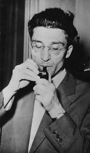 Ele conquistou o Prêmio Strega de Literatura, em 1950.