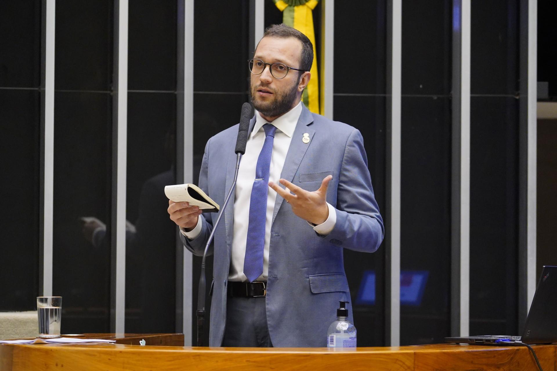 FILIPE Barros, deputado bolsonarista, deu parecer pró-voto impresso  (Foto: Pablo Valadares/Câmara dos Deputados)