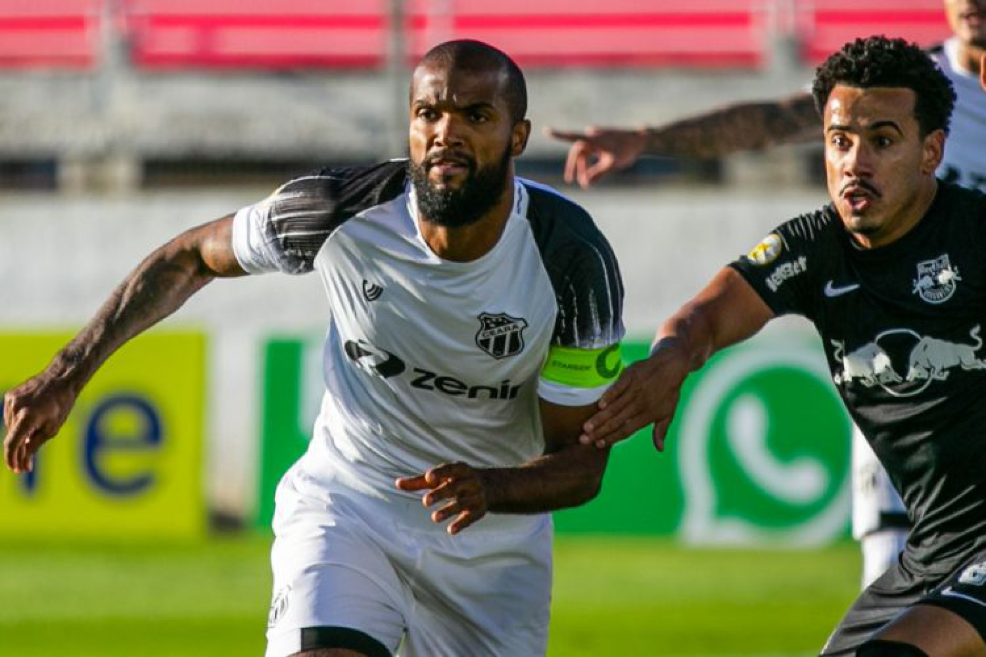 Messias teve dez cortes defensivos durante o jogo, afastando lances de ataque do Bragantino (Foto: Fausto Filho / Ceará SC )