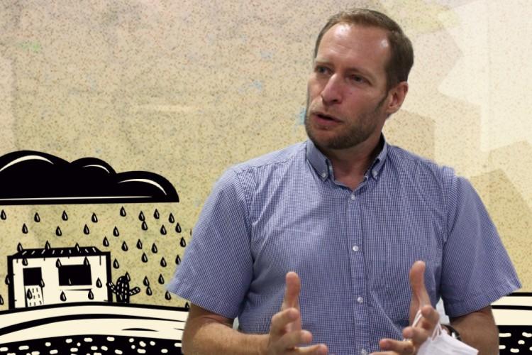 Julien Burte, pesquisador francês que por décadas pesquisou os sertões do Ceará(Foto: FÁBIO LIMA COM INTERVENÇÃO DE ISAC BERNARDO)