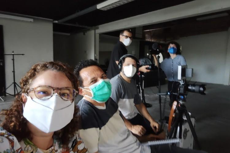 Equipe de produção do documentário Guerra Sem Fim, do O POVO (Foto: CÍNTHIA MEDEIROS)