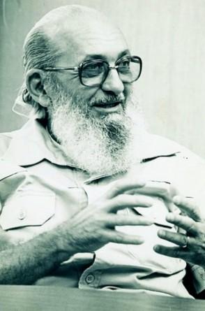 Paulo Freire na Secretaria Municipal de Educação de São Paulo, em 1989(Foto: Acervo Paulo Freire)