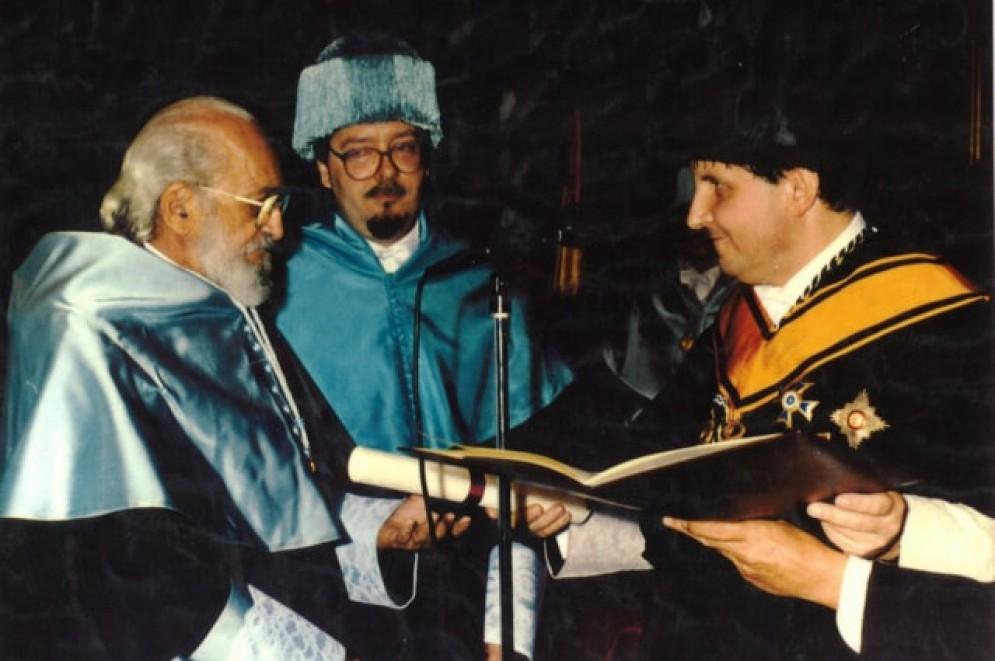 Paulo Freire recebeu o título de Doutor Honoris Causa na Universidade Complutense de Madri, Espanha, em 1991(Foto: Acervo Paulo Freire)