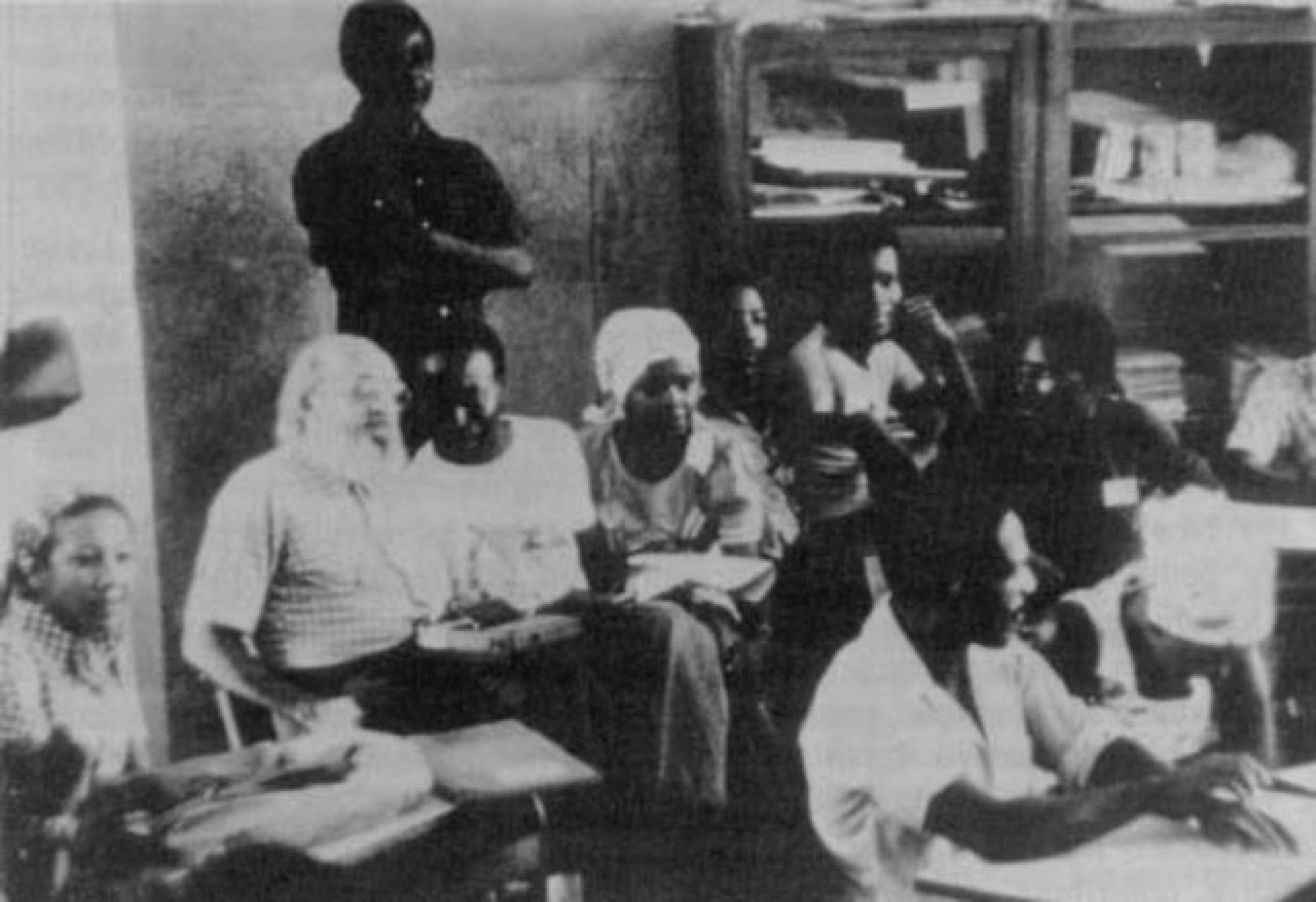 Paulo Freire presente no 1º Seminário Nacional de Alfabetização de São Tomé e Príncipe, África, em 1976(Foto: Acervo Paulo Freire)