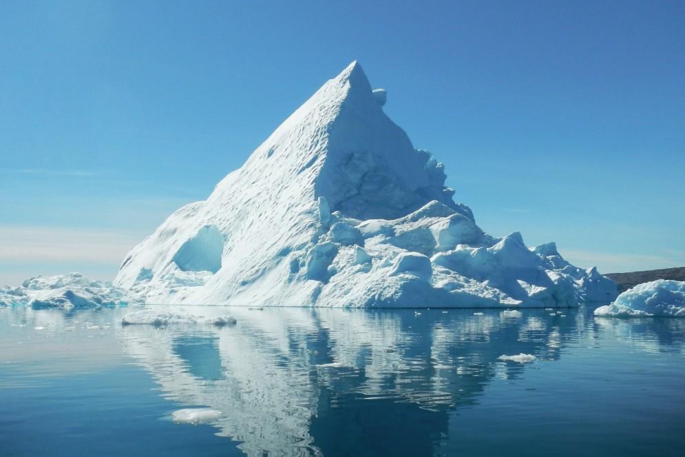 Iceberg em Tiniteqilaaq, Groenlândia.  (Foto:  Jean-Christophe André/Pexels)