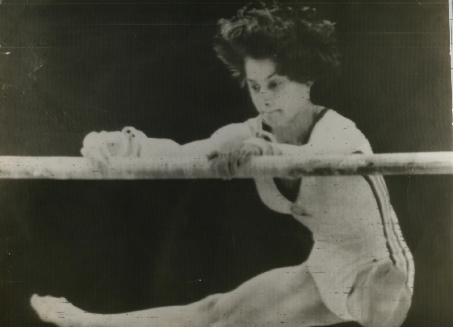 Ginasta Nadia Comanecci, estrela das olimpíadas de 1980 (Foto: Foto: UPI)