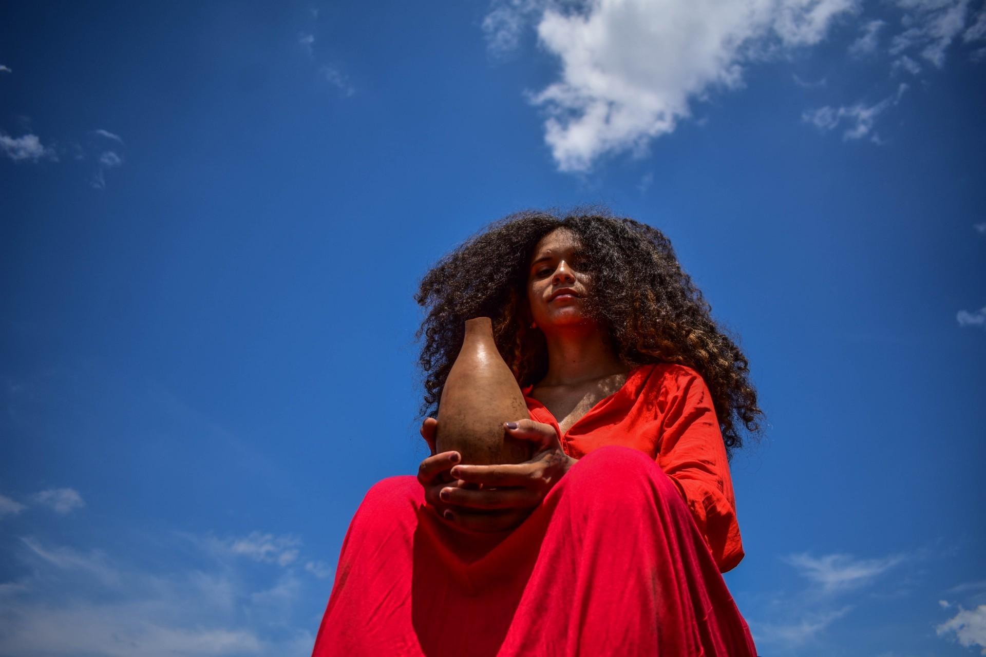 'Dança para um futuro cego' (2021), de Maria Macêdo (Foto: JAQUE RODRIGUES/Divulgação)