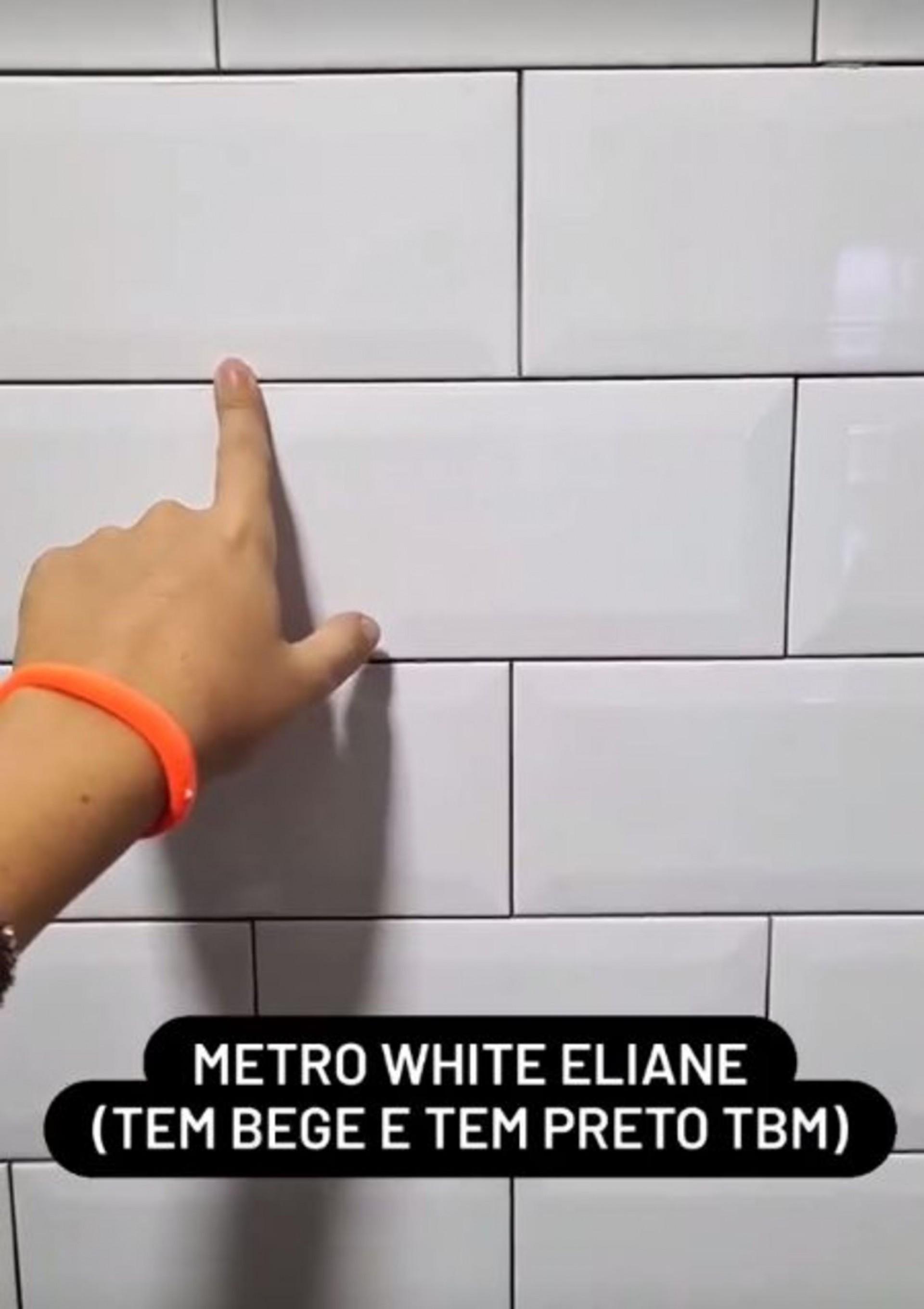 Aplicação de tijolinho esmaltado na cozinha (Foto: Reprodução Instagram)