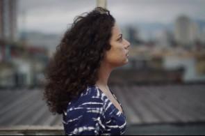 Entre os curtas exibidos no Festival de Cannes, o filme 'Céu de Agosto', de Jasmin Tenucci, recebeu menção especial do júri no evento