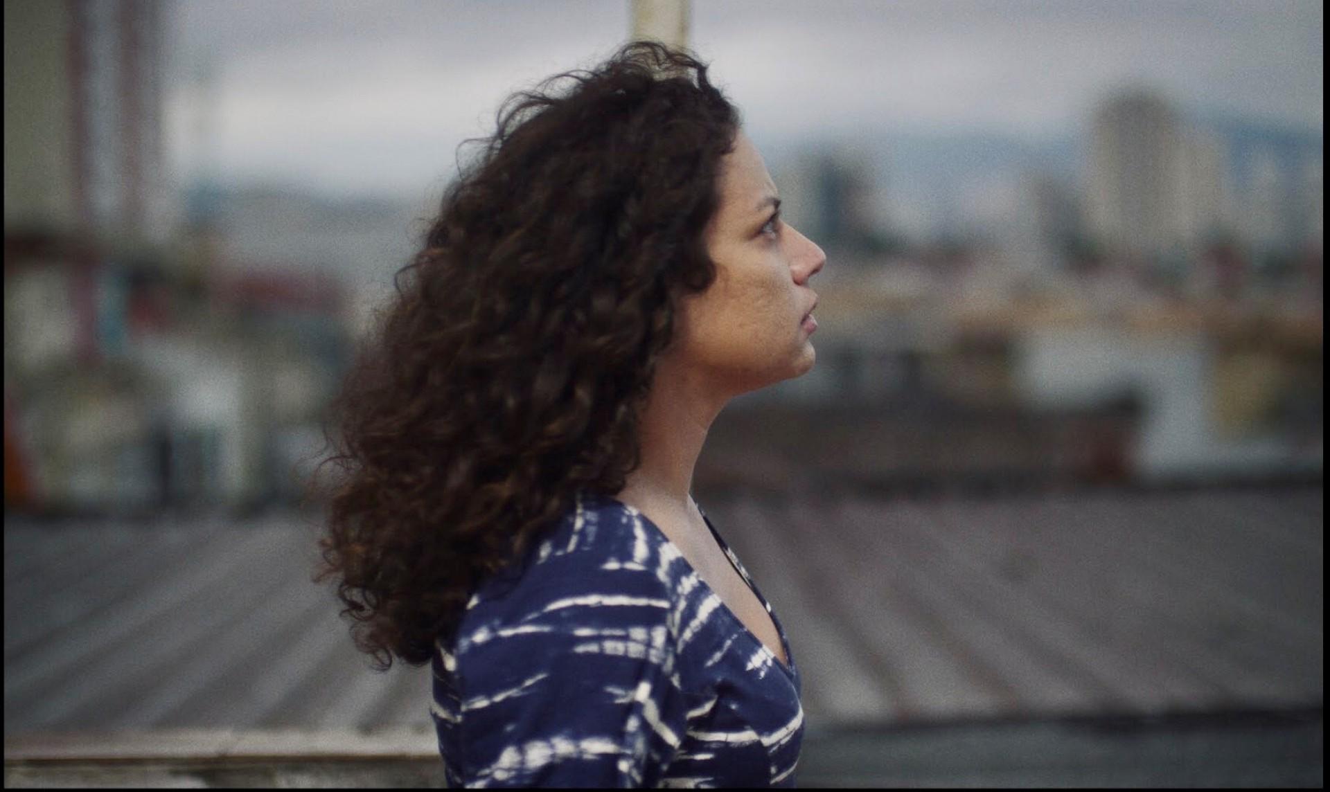 Entre os curtas exibidos no Festival de Cannes, o filme 'Céu de Agosto', de Jasmin Tenucci, recebeu menção especial do júri no evento (Foto: divulgação)