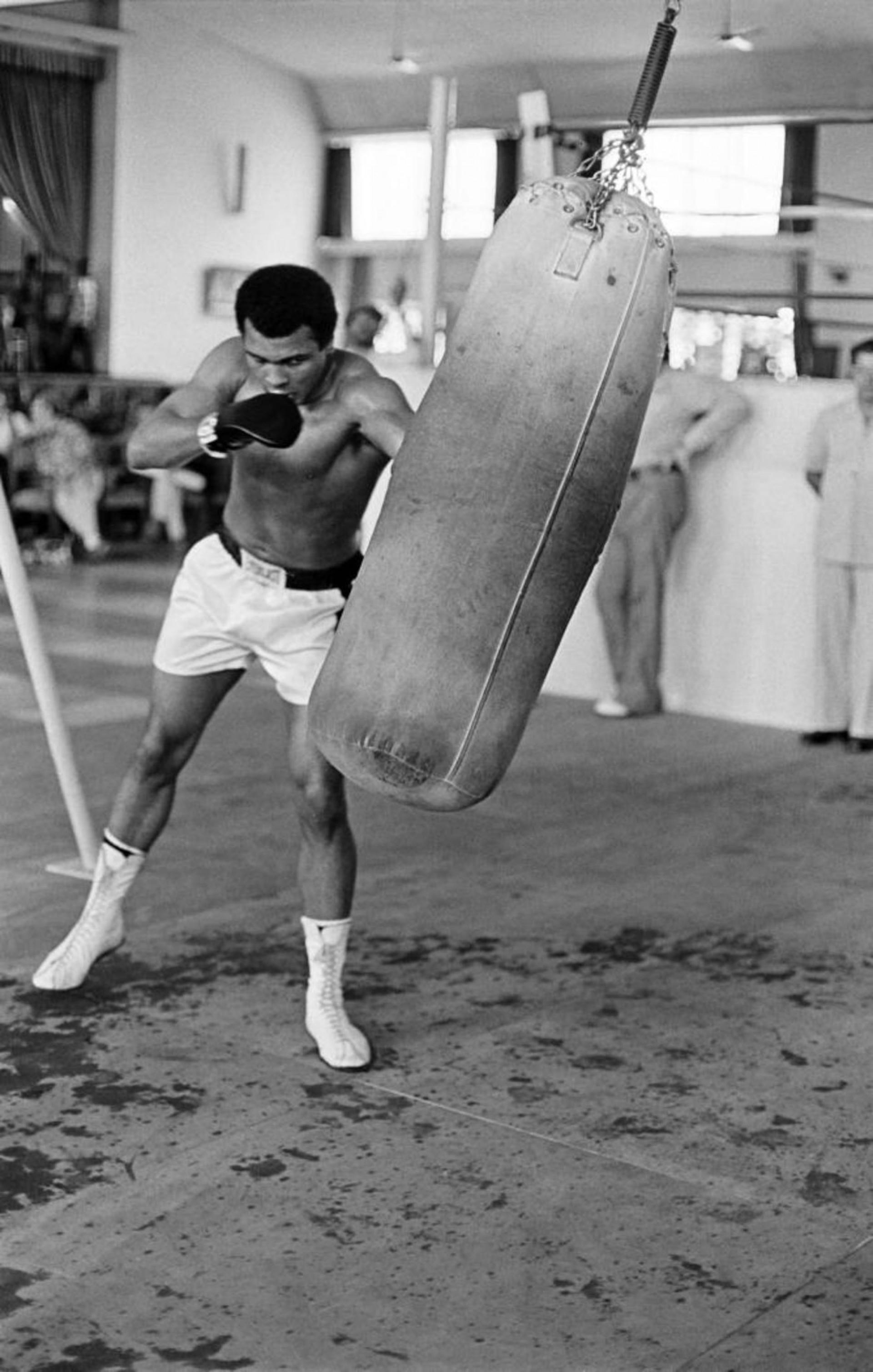 Ex-pugilista Muhammad Ali foi ao lado do também muçulmano Malcolm X um dos grandes símbolos da luta pelos direitos civis dos negros nos EUA (Foto: AFP PHOTO)
