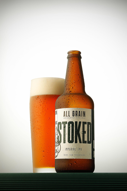 Stoked: Uma cerveja para apreciar aos poucos, já que seu alto teor alcoólico fica muito bem inserido em suas notas (Foto: Divulgação)