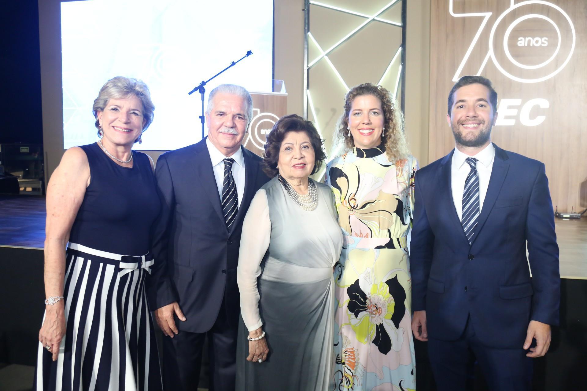 (Foto: JOAO FILHO TAVARES)Stella, Pio, Edir, Ticiana e Guilherme Rolim