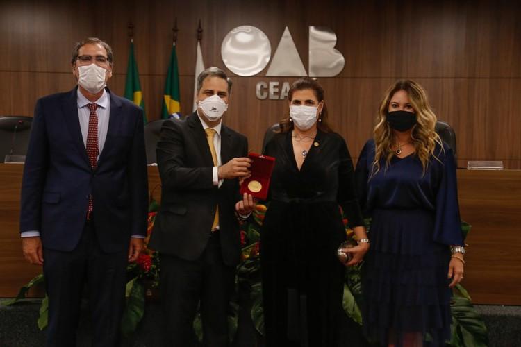 Erinaldo Dantas, Maria José Rossi Jereissati e família
