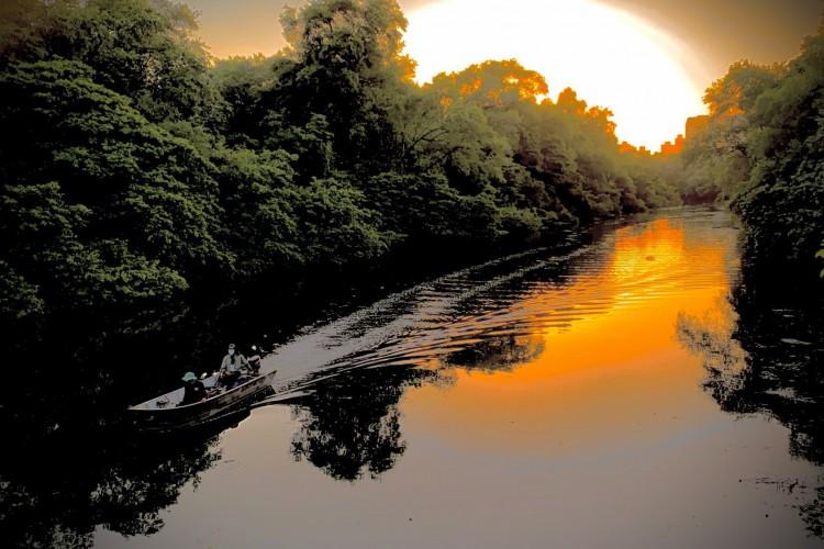 Final de tarde no rio Cocó. A natureza posta para qualquer pessoa bem coexistir e agradecer pela contemplação(Foto: Demitri Túlio)