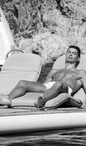 Descanso: Cristiano Ronaldo também costuma valorizar seu sono.