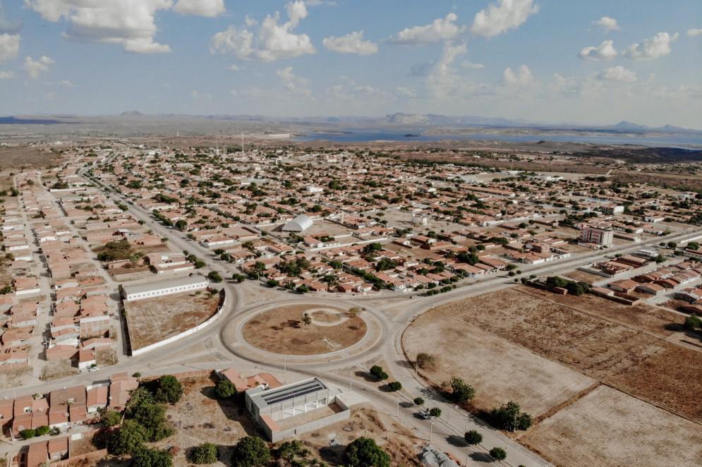 Praças de Jaguaribara, primeira cidade planejada do Ceará(Foto: JÚLIO CAESAR)