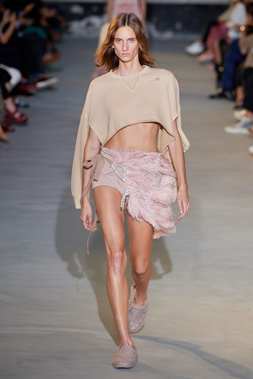 Sarah Berger para a Nº 21 na Semana de Moda de Milão