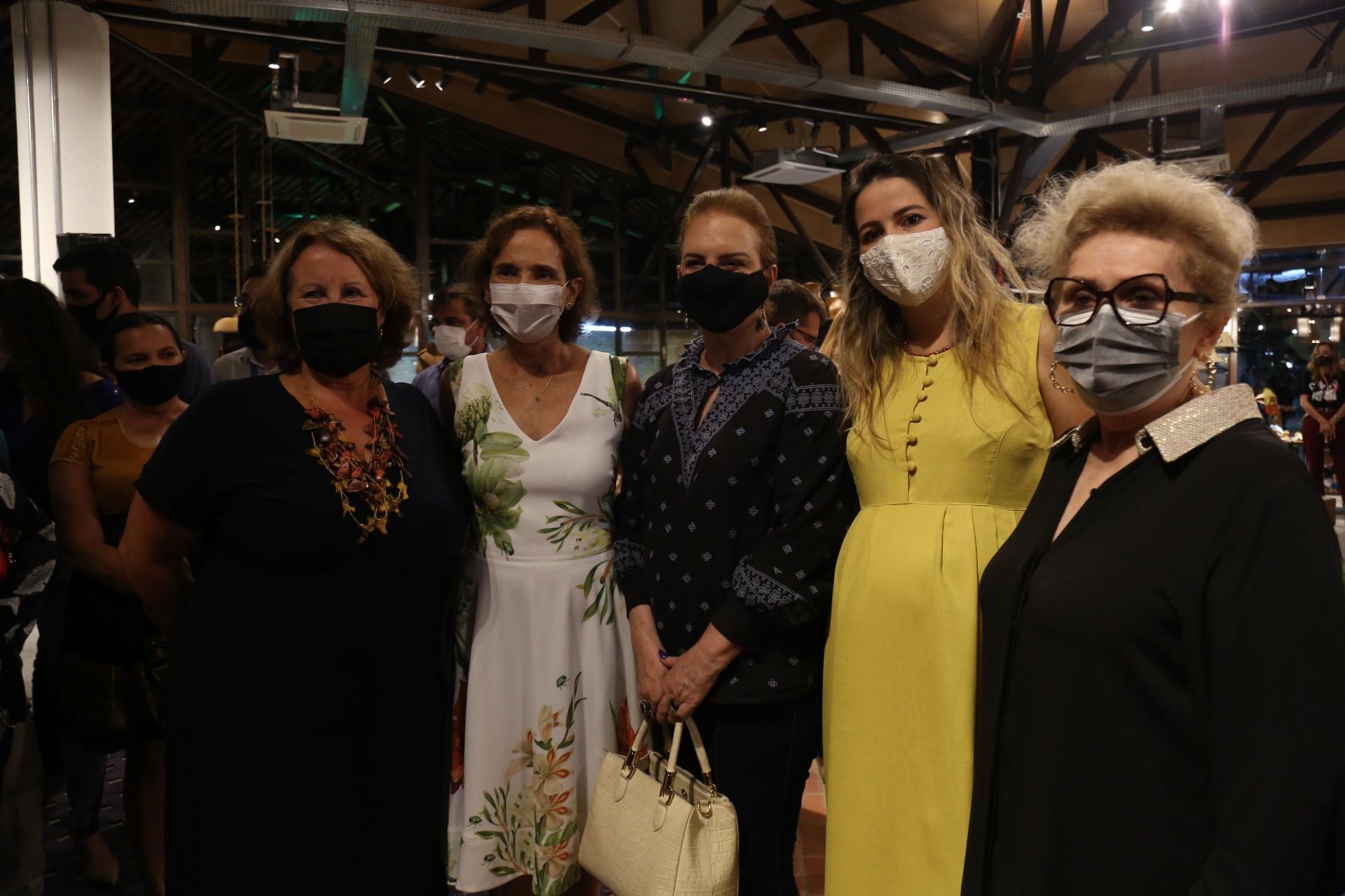 (Foto: JOÃO FILHO TAVARES)Annette de Castro, Izolda Cela,  Ethel Whitehurst, Onelia Santana e Socorro França