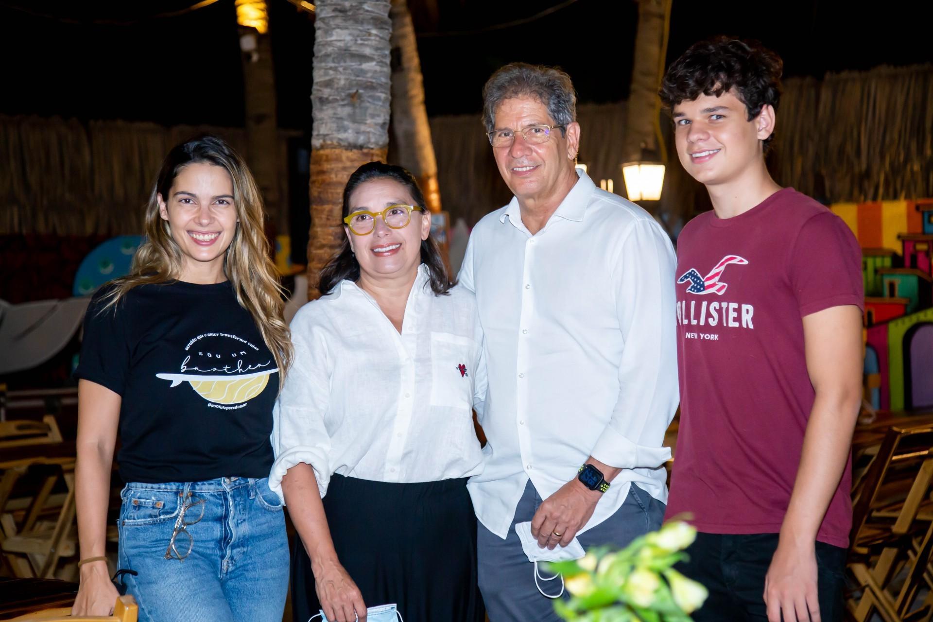 (Foto: Israel_Rodrigues/ Divulgação)Joana Ramalho, Isabela Ramalho, Severino Ramalho Neto e Vítor Ramalho
