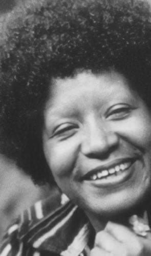 Lélia Gonzalez - Antropóloga pioneira nos estudos sobre cultura negra no Brasil, co-fundadora do Movimento Negro Unificado.