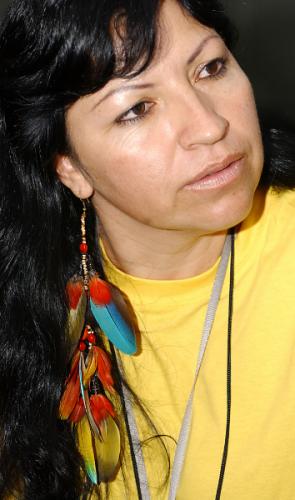 Azelene Kaingang - Recebeu o Prêmio Nacional dos Direitos Humanos (2006) e a Comenda da Ordem do Mérito Cultural 2010.